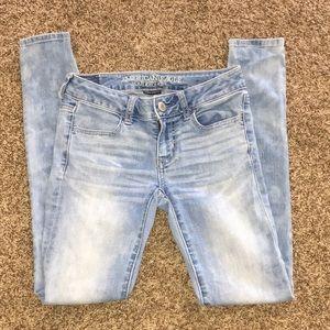 Light acid wash jeans